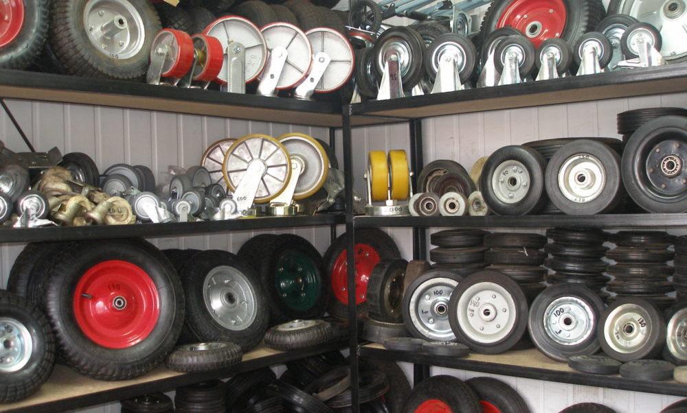 Особенности и разновидности резиновых колес